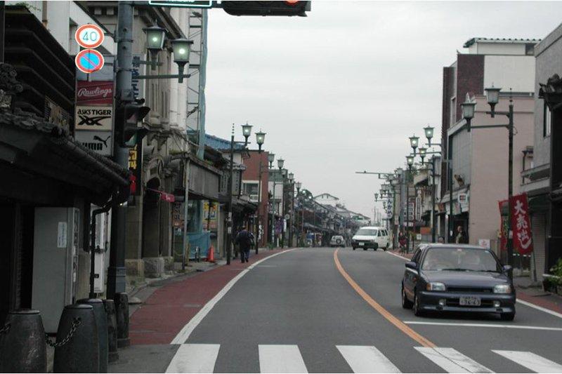 無電柱化の施工後(仲町交差点)