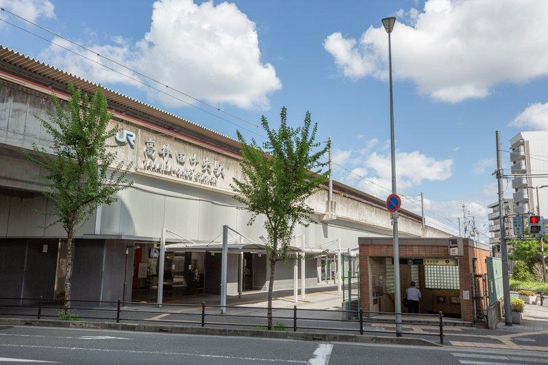 大阪メトロ中央線「高井田」駅、JRおおさか東線「高井田中央」駅